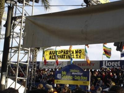 SOS Lloret pancarta pòdium Ral·li Catalunya